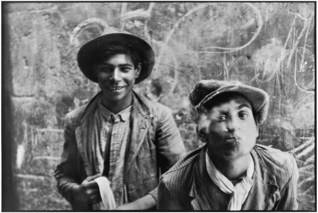 henri-cartier-bresson-gitans-andalousie-espagne-1933