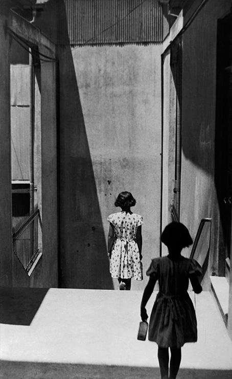 Sergio Larrain, Passage Bavestrello, Valparaiso, Chili, 1952